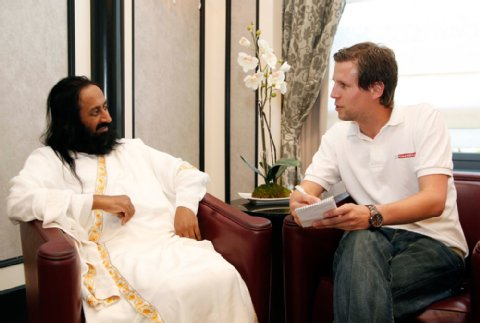 "The ""Crown Jewel of Yoga"" brings nothing but rest. The interview with Sri Sri  was rest in itself for the reporter Marcus Böttcher, KURIER."