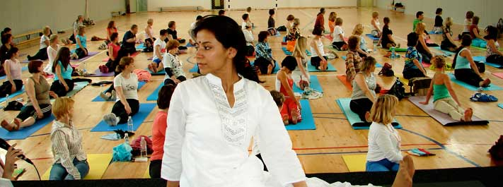Kamlesh Barwal Sri Sri Yoga teacher