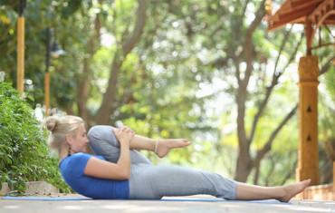 tree pose  how to do vrikshasana  yoga health benefits