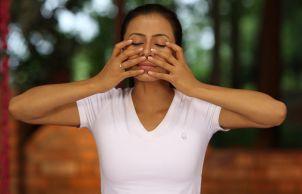yogaübungen gegen schwindelgefühle schwindel vorbeugen