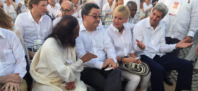 Gurudev Sri Sri Ravi Shankar at Colombian Peace agreement