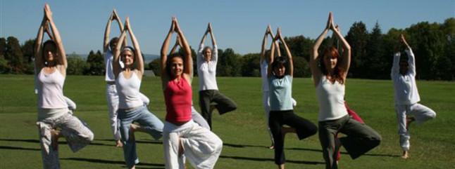 90d602661bc Sri Sri Yoga | Art of Living Eesti