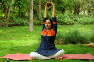 7 yoga poses and a 5minute sequence to quickly ease your