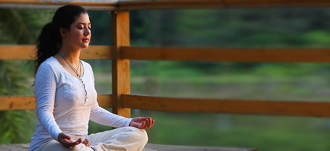 ध्यान के लाभ: मन, शरीर और मस्तिष्क
