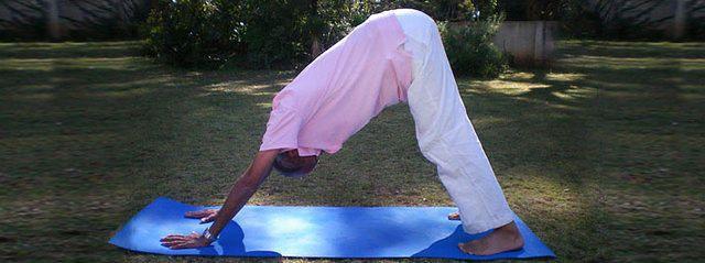 Yogaübungen für Senioren, Gesund und fit im Alter, jung bleiben ...