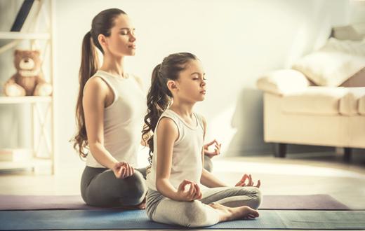 9 Tips To Practice Yoga At Home How To Do Yoga At Home The Art Of Living India
