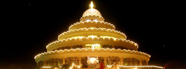 Vishalakshi Mantap at night
