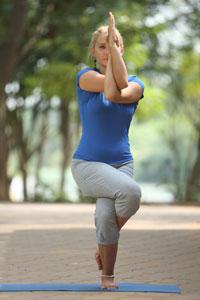 Eagle pose   Garudasana   Yoga Health Benefits   Sequence ...