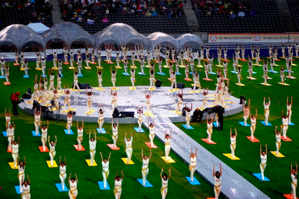 Sri Sri Ravi Shankar Zum Internationalen Tag Des Yoga Die Kunst Des Lebens